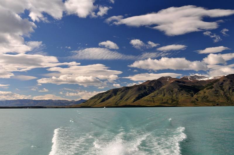 Sfeerimpressie Patagonië met Paaseiland: Wandel langs krakende gletsjers en mysterieuze beelden