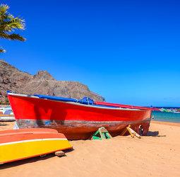 Sawadee: De wandelreis combineert twee eilanden van de Canarische archipel. We vliegen van en naar Tenerife en steken vanaf Los Christianos met de boot over naar La Gomera. We overnachten op Tenerife in het gezellige vissersdorpEl Medanoen op La Gomera in San Sebastian. Je wandelt in prachtige nationale parken, in vulkanische landschap en door kloven, komt op stille kiezelstrandjes en geniet in de avond van de gezellige terrassen.