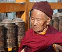 Rondreis Nepal Monnik bij Boudhnath
