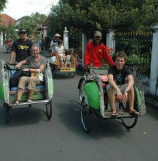 familiereis Indonesië becak