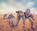 gozer met kamelen