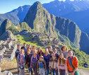 Familiereis Peru groepsfoto Machu Picchu
